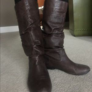 Shoes - Used brown leather boots